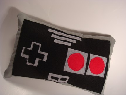 nes-controller-pillow-2