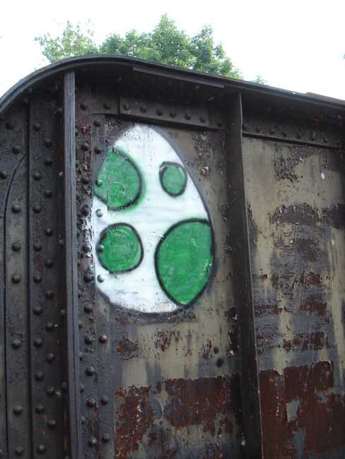 yoshi green egg graffiti art