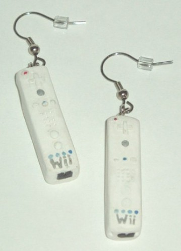 wiimote-controller-earrings-3