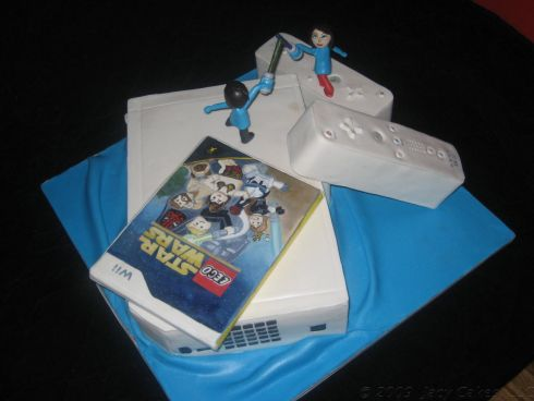 wii cake with miis