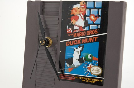 duck hunt clock close up