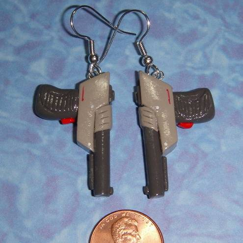 nintendo gun zapper earrings3