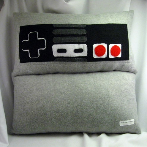 nes controller pillow3