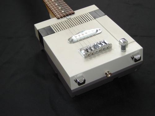 NES Guitar Image 3