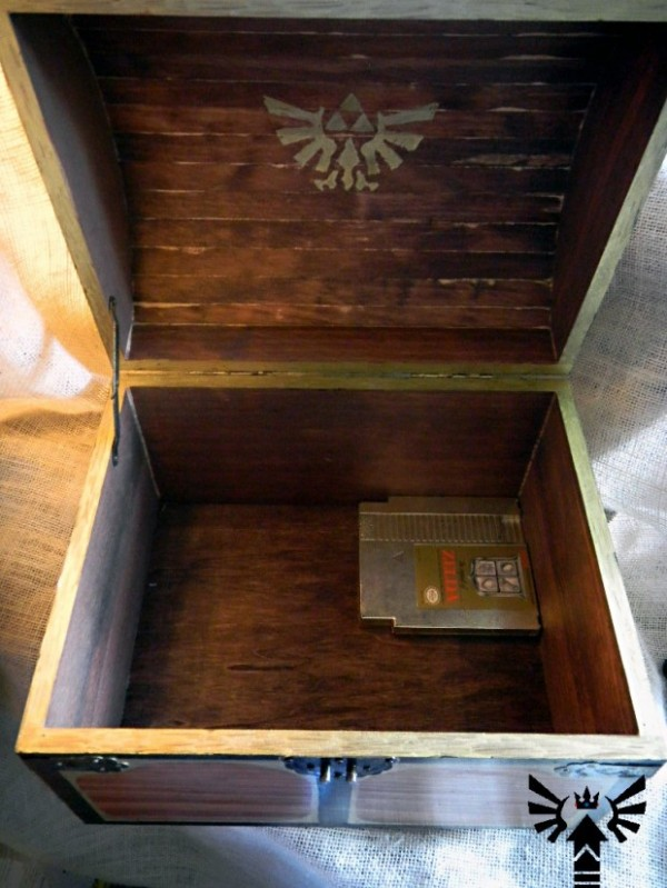 Musical Life-Sized Zelda Treasure Chest BygonesandPowerUps 2